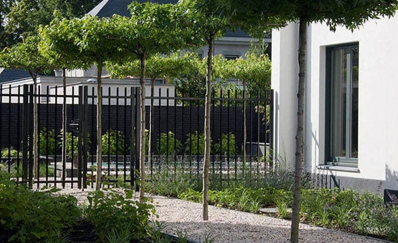 Voorbeeldtuinen met sierbestrating van excluton for Grind tuin