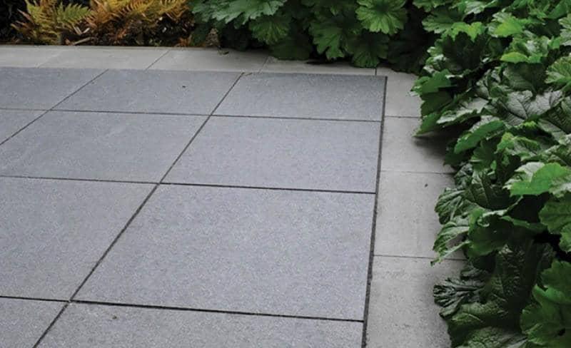 Betontegels 50x50 Antraciet.Graniet Tegels President Tegels Zwart 50x50
